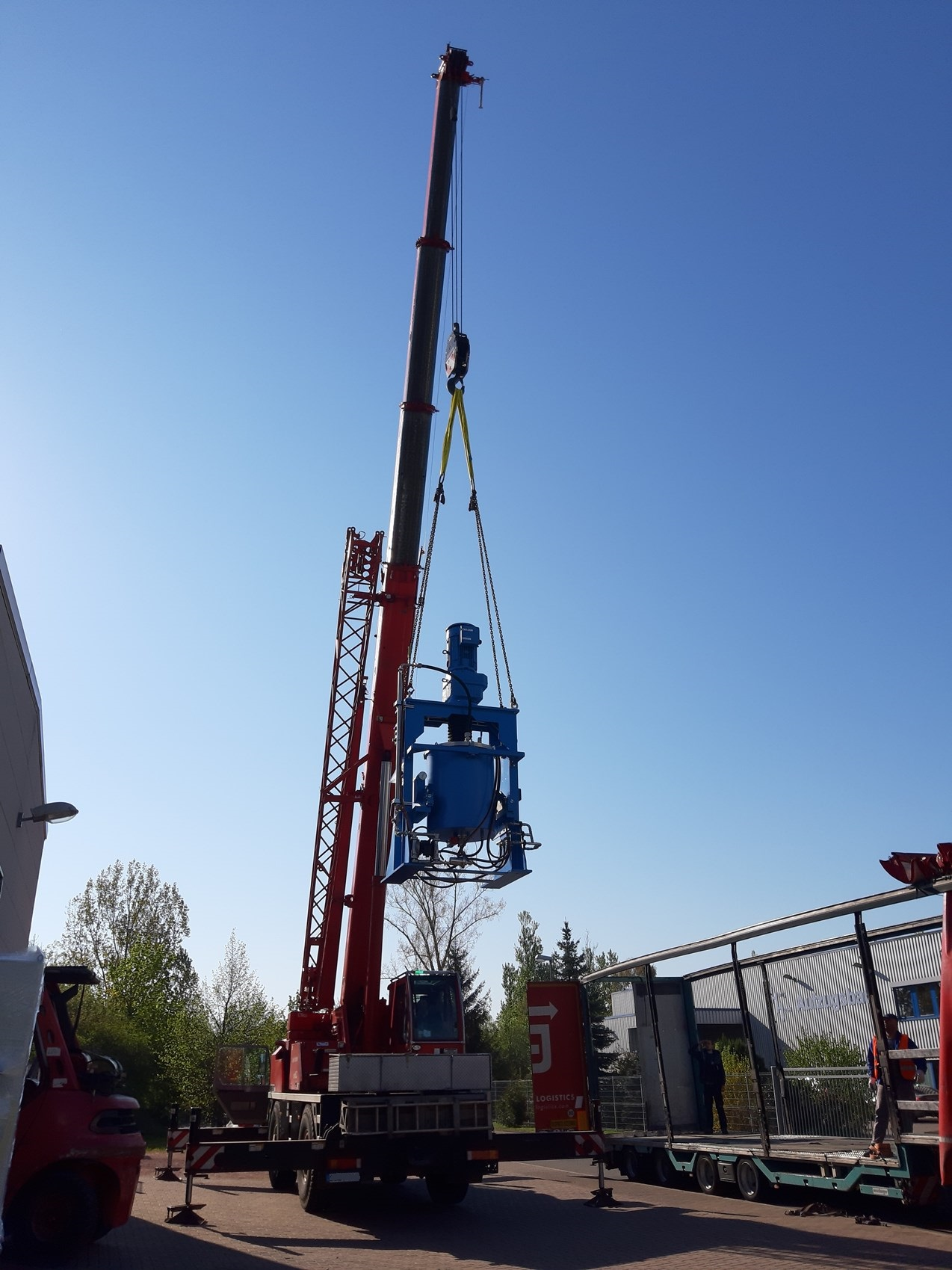 Attritor RMK 350 on crane in the air